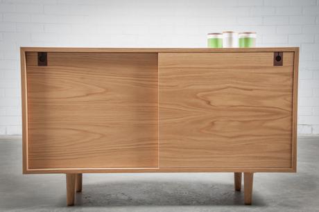 Cabinet petite (closed) plain